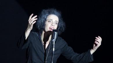 """Liepājas teātrī pēdējās reizes tiks spēlēta izrāde """"Piafa"""""""
