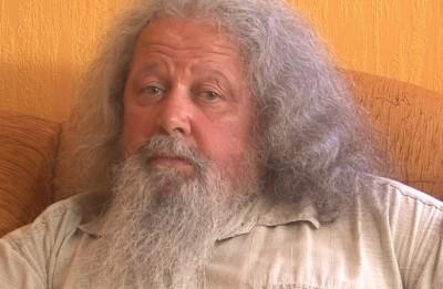 """Video: Dziesminieks Haralds Sīmanis:""""Es dziedu tikai tad, kad gribu dziedāt"""". Videointervija"""
