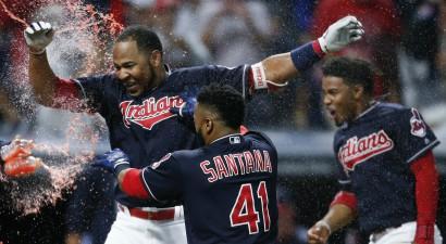 Enkarnasions, Santana nomaina komandas trīs MLB klubu darījumā