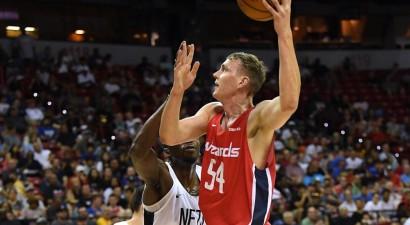Pasečņikam astoņi precīzi metieni uzvarā NBA Attīstības līgas mačā