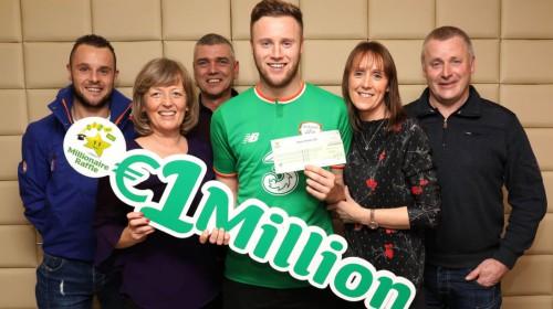 Profesionāls īru futbolists loterijā laimē vienu miljonu eiro