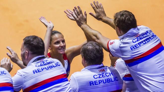 """Čehijas tenisistēm """"neviena negaidīts"""" 2-0 Vācijā"""