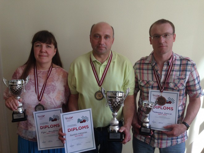 Guntis Valneris uzvar Latvijas čempionātā 100 lauciņu dambretē