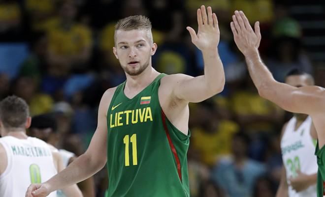 Lietuvas izlases sastāvā Sabonis un Valančūns, ārpus pieteikuma Motejūns