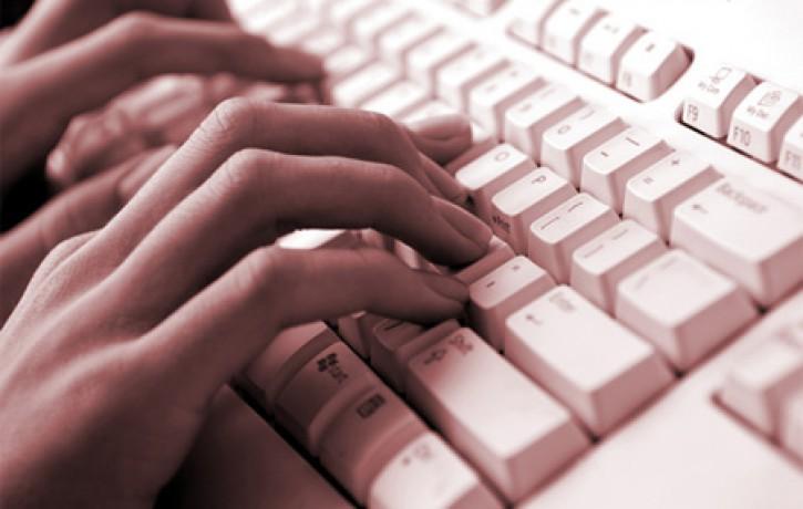 Interneta vidē - draugi, dzīvē - svešinieki