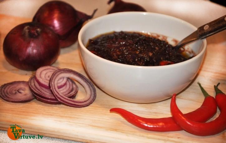 Pikantais sīpolķopsis - lieliska alternatīva kečupam vai sinepēm