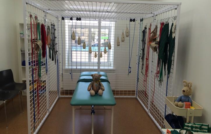 """Rehabilitācijas centrā """"Poga"""" atklāts Jāņa Vaišļas piemiņai veltīts """"Ceļotāja kabinets"""""""