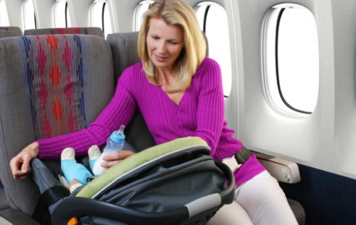 Vērtīgi padomi, lidojot grūtniecības laikā un kopā ar jaundzimušajiem