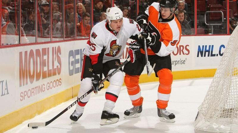 Oskars Bārtulis savā debijas spēlē NHL Foto: AFP/Scanpix