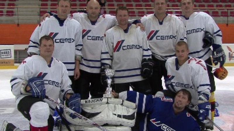 Brocēnu komanda pēc pirmās uzvaras Sportacentrs.com minihokeja turnīrā