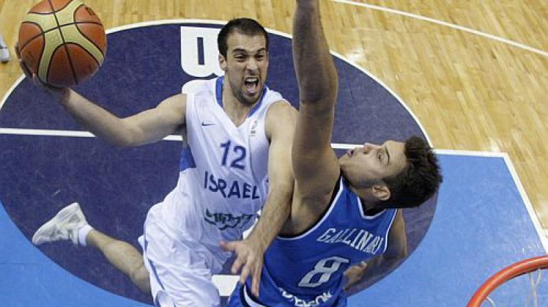 Cīņas epizode Itālijas un Izraēlas spēlē Foto: AP/Scanpix