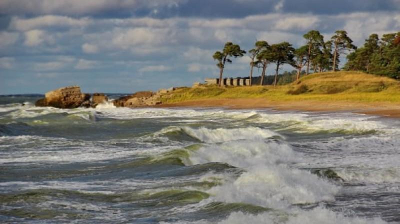 Karaostas pludmale Liepājā, gar kuru skries dalībnieki.