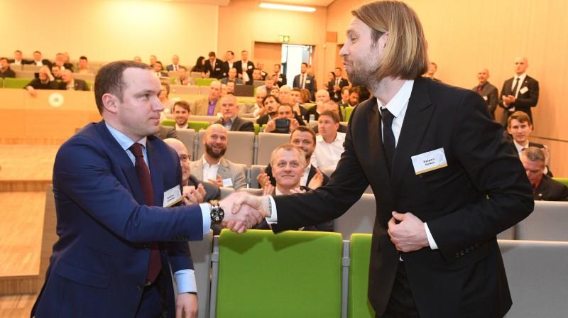LTFA prezidents Vadims Ļašenko un LFF prezidents Kaspars Gorkšs. Foto: Romāns Kokšarovs, Sporta Avīze, f64