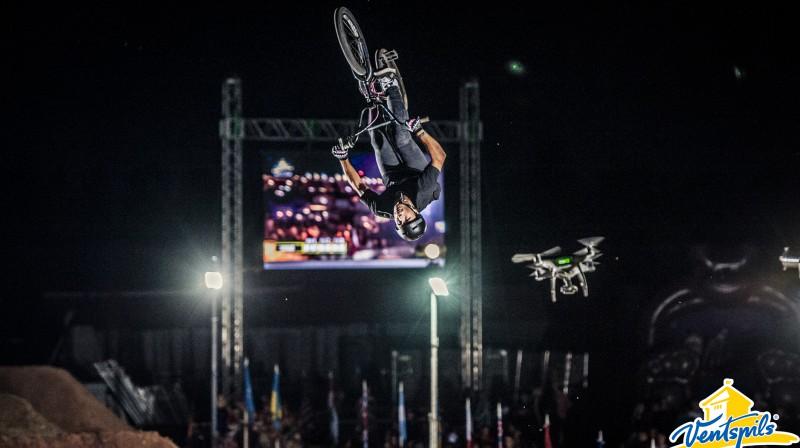 """BMX """"Dirt"""" sacensības Ventspils Piedzīvojumu parkā Publicitātes foto"""