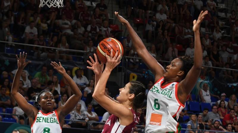 Ieva Pulvere spēlē pret Senegālu. Foto: FIBA