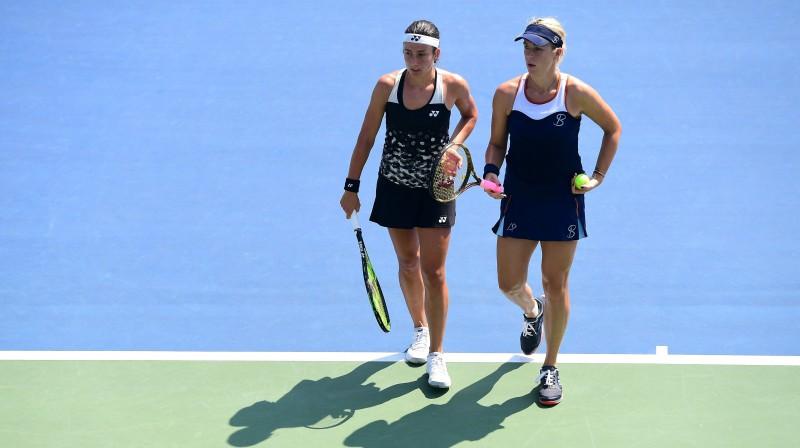 Anastasija Sevastova un Anastasija Pavļučenkova. Foto: AFP/Scanpix
