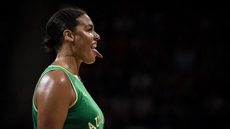 Elizabete Kembedža: 33 punkti un 15 atlēkušās bumbas Pasaules kausa pusfinālā. Foto: FIBA