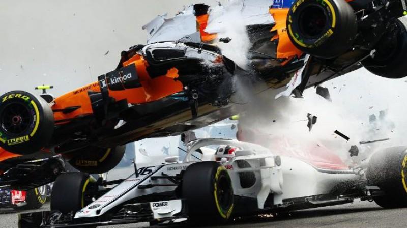 Alonso un Leklēra sadursme Beļģijas posmā. Foto: WRI