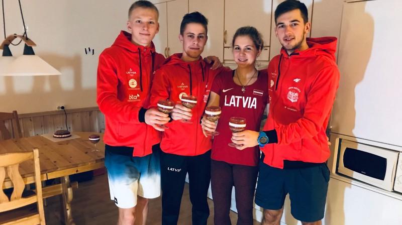 Edgars Mise (no kreisās), Kirils Matjuhins, Ieva Pūce un Rūdis Balodis. Foto no Matjuhina Facebook profila