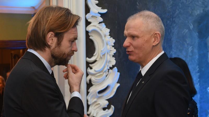 LFF prezidents Kaspars Gorkšs un LFF otrais viceprezidents un LOK ģenerālsekretārs Žoržs Tikmers. Foto: Romāns Kokšarovs/f64