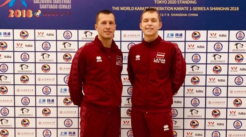 Ruslans Sadikovs (no kreisās) un Dens Sadikovs