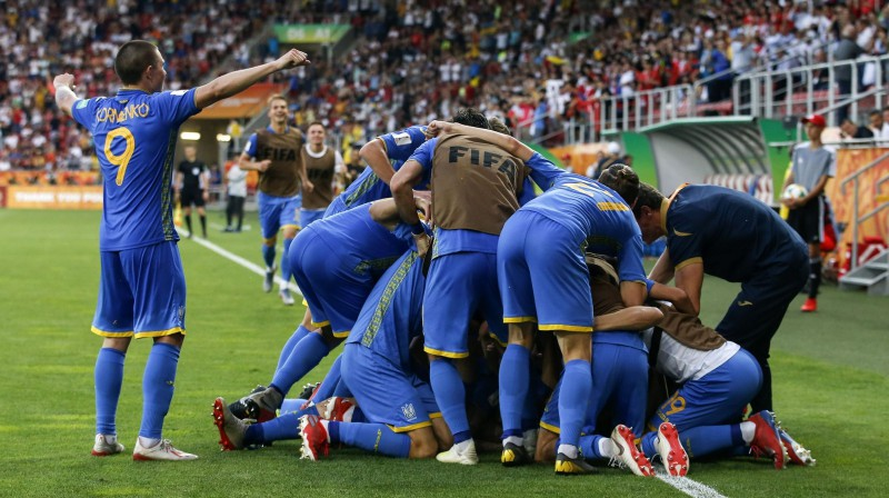 Ukrainas futbolisti svin uzvaru Foto: AP/Scanpix
