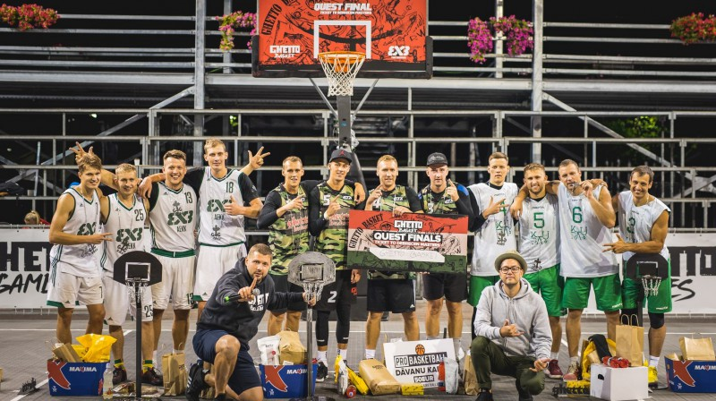 """2018. gada """"Ghetto Basket"""" """"Quest"""" fināla labākās trīs komandas. Publicitātes foto"""