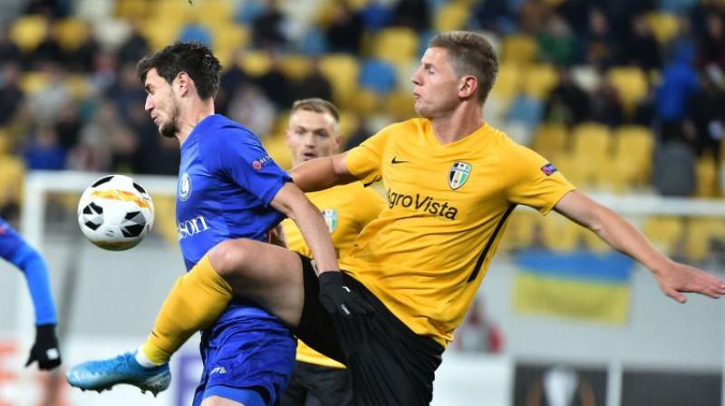 """Kaspars Dubra spēlē pret """"Gent"""". Foto: AFP/Scanpix"""