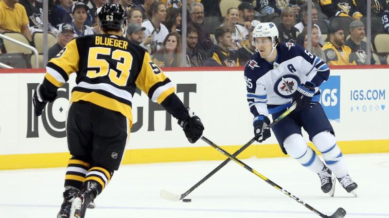 Teodors Bļugers aizsardzībā. Foto: Charles LeClaire/USA Today Sports/Scanpix