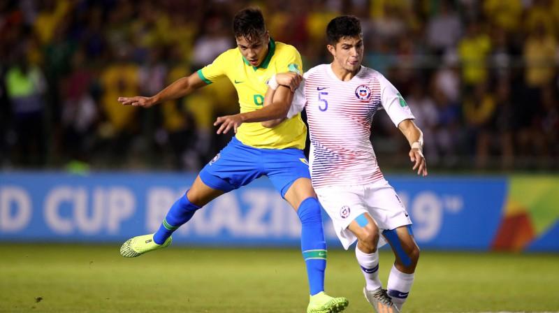 Epizode no Brazīlijas un Čīles U17 izlašu spēles. Foto: fifa.com