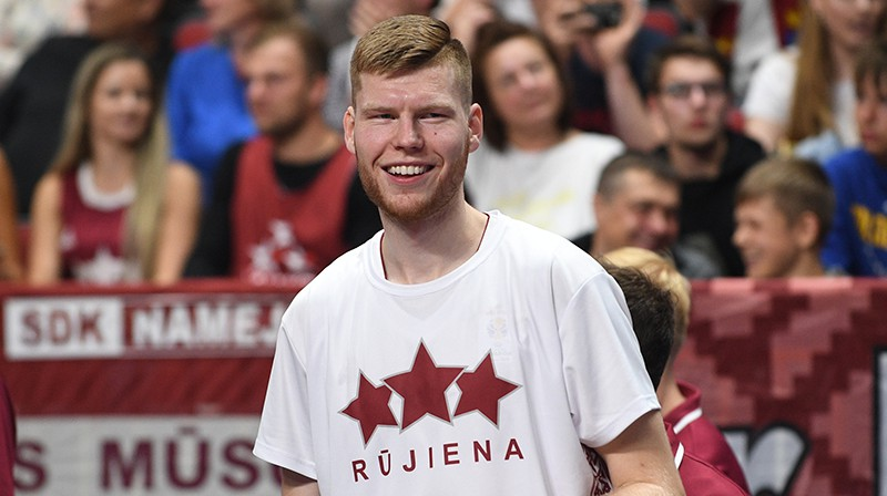 Dāvis Bertāns. Foto: Romāns Kokšarovs/F64