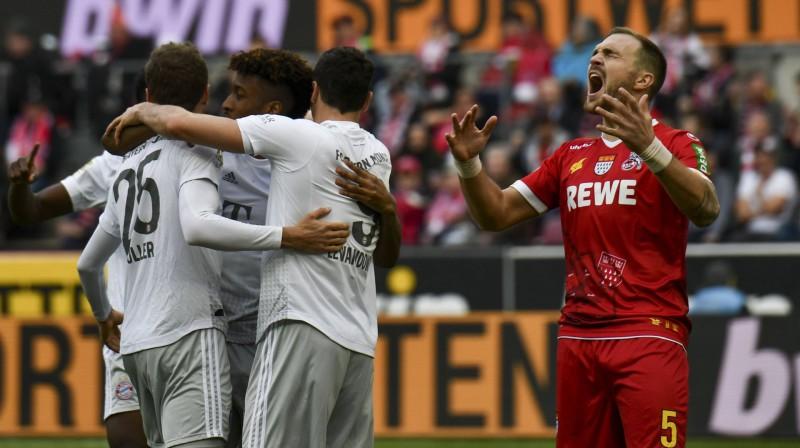 """""""Bayern"""" futbolisti atzīmē trešo vārtu guvumu. Foto: imago images/Nordphoto/Scanpix"""