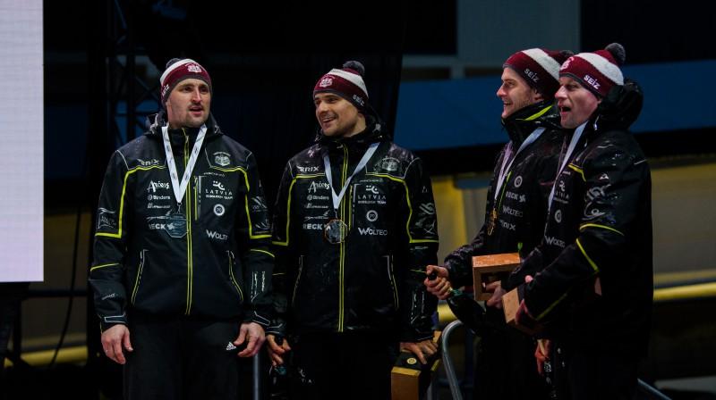 No kreisās: Oskars Melbārdis, Oskars Ķibermanis, Matīss Miknis, Intars Dambis. Foto: Viesturs Lācis/bobslejs.lv
