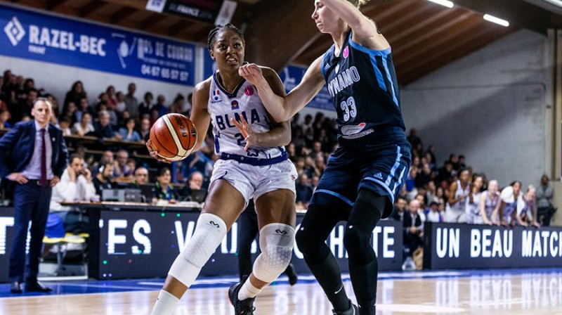 """Stefānija Mavunga mājas spēlē pret Kurskas """"Dynamo"""". Foto: FIBA"""