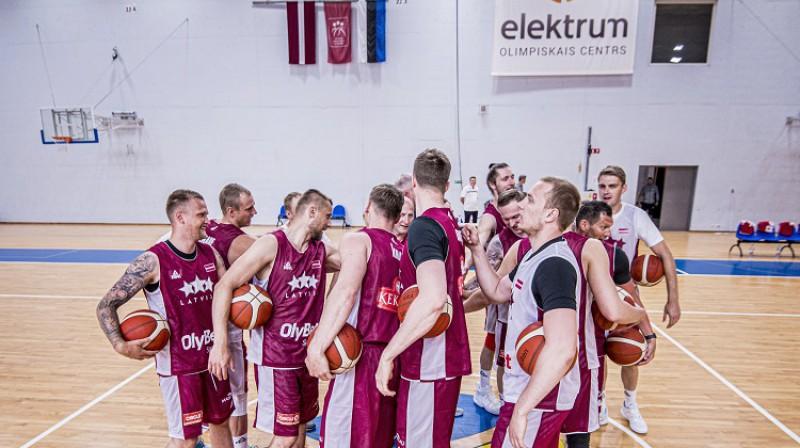 Latvijas vīriešu valstsvienības spēlētāji 1. jūnijā. Foto: Renārs Koris