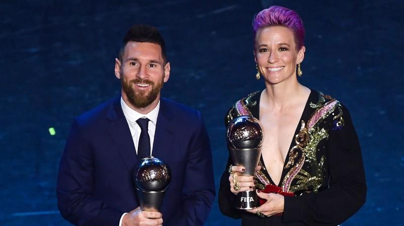 Pagājušā gada laureāti Lionels Mesi un Megana Rapino. Foto: AFP/Scanpix