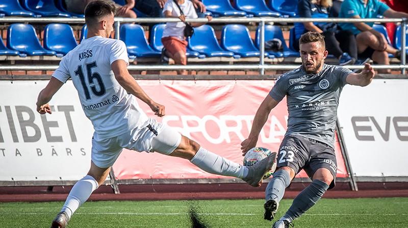 Raivis Ķiršs aizsardzībā. Foto: Zigismunds Zālmanis/Riga FC