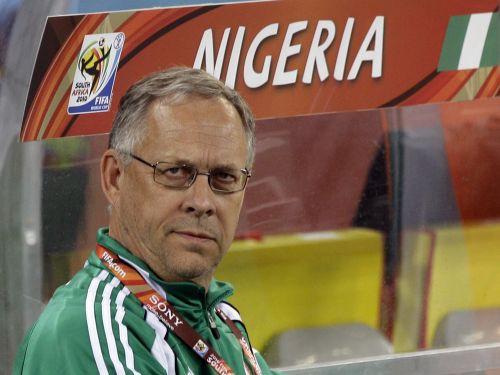 Islandes izlases trenera amatā Lāgerbeks, Serbija – bez trenera