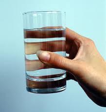 Kāpēc un cik daudz jādzer ūdens