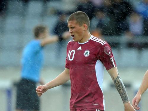 Kamešs un Gauračs ļauj Latvijai izcīnīt pirmo uzvaru