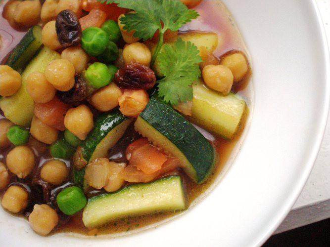 Turku zirņu un cukini zupa