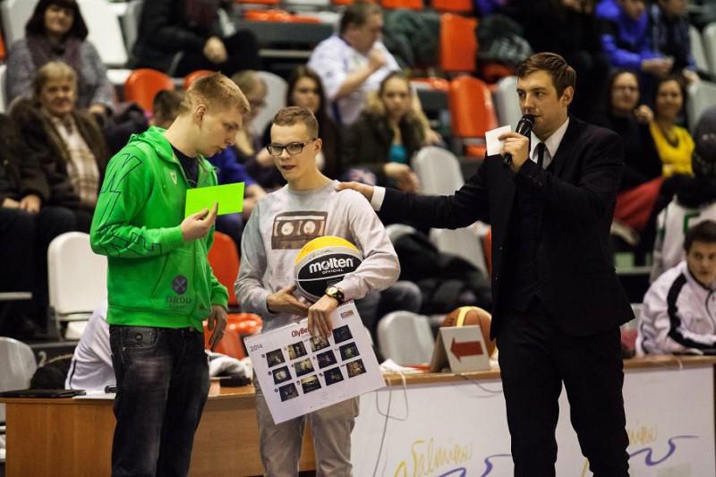 """BK """"Valmiera"""" sveic basketbola prognožu konkursa uzvarētājus"""