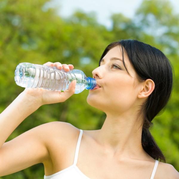 Kāda ir ūdens nozīme cilvēka organismā?