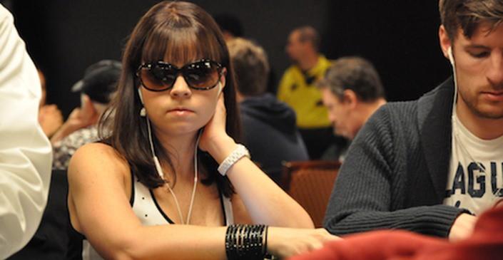 Anete Obrestade sniedz interviju Sky Poker kanālam