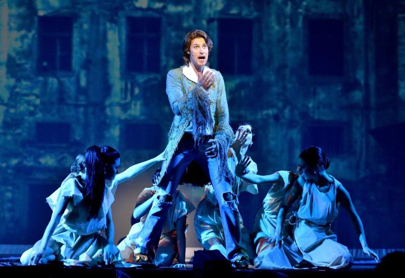Sanktpēterburgas Valsts Muzikālās komēdijas teātra vieszirāde uz Rīgas Krievu teātra skatuves. BRODVEJAS HITI