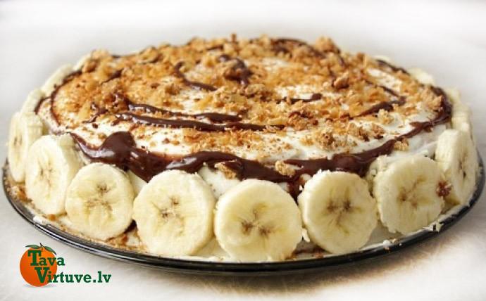 15 minūtēs pagatavojama garda banānu kūka