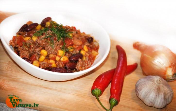 Chili con carne- pikantais pupiņu un gaļas sautējums