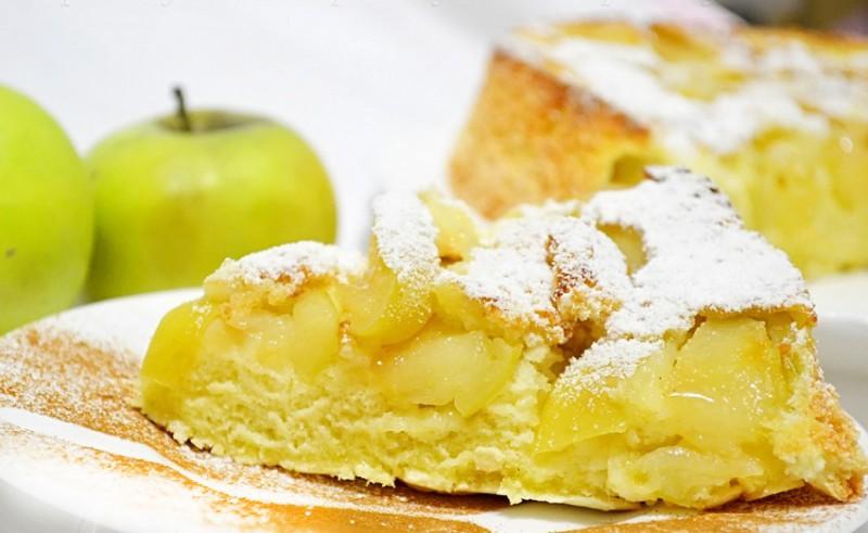Vienkāršā ābolu kūka