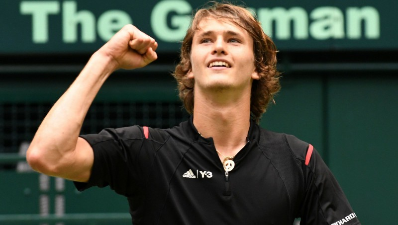 Jaunais Zverevs sakauj Halles karali Federeru