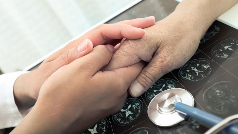 ASV apstiprina zāles līdz šim neārstējamai multiplās sklerozes slimības formai